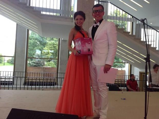 Бренд MAXWELL стал партнером главного Выпускного Бала России «ВЫПУСКНИК-2013»